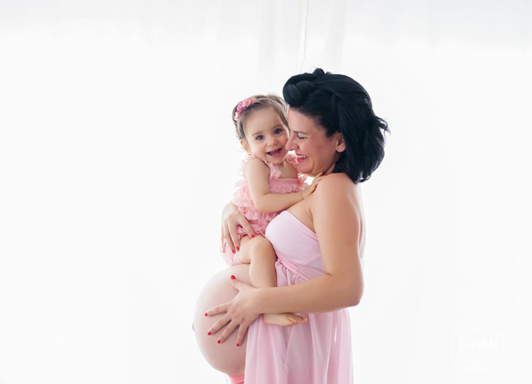fotos de embarazo en estudio en valencia